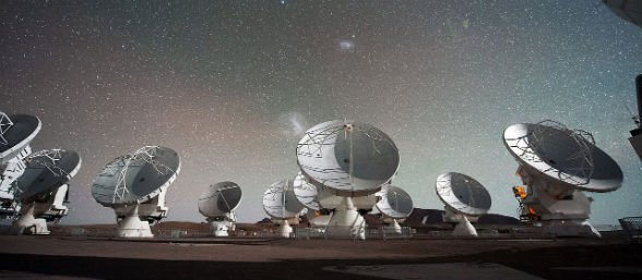 https://tved-prod.adobecqms.net/http://i.muyinteresante.com.mx/dam/espacio/14/11/Atacama_Large_Millimeter_submillimeter_Array_(ALMA)_by_night_under_the_Magellanic_Clouds.jpg.imgo.jpg