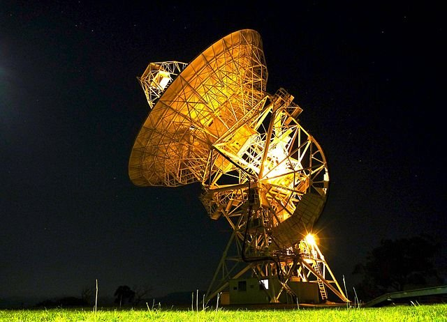 https://dam.tbg.com.mx/http://i.muyinteresante.com.mx/dam/espacio/16/03/9/Mt_Pleasant_radio_telescope_night.jpg.imgo.jpg