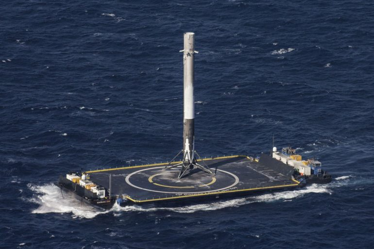 https://dam.tbg.com.mx/http://i.muyinteresante.com.mx/dam/espacio/16/04/14/spacex-rocket-makes-historical-landing-after-delivering-payload-to-iss-5-1.jpg.imgo.jpg