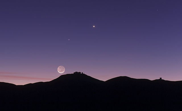 https://tved-prod.adobecqms.net/http://i.muyinteresante.com.mx/dam/espacio/16/09/28/640px-the_crescent_moon_and_earthshine_over_esos_paranal_observatory.jpg.imgo.jpg