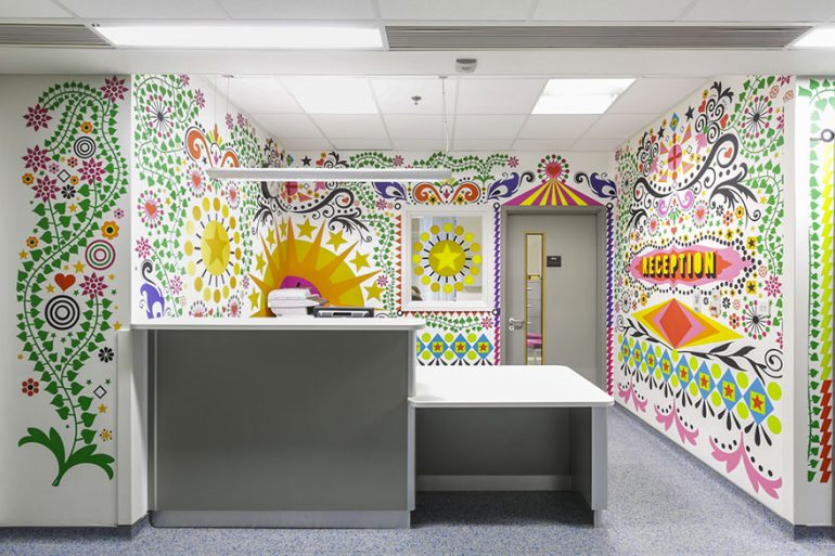 https://tved-prod.adobecqms.net/http://i.muyinteresante.com.mx/dam/muy-vision/15/02/1.2-artists-mural-design-royal-london-children-hospital-vital-arts-1.jpg.imgo.jpg