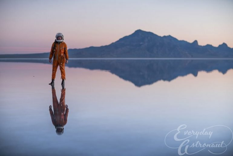 https://tved-prod.adobecqms.net/http://i.muyinteresante.com.mx/dam/muy-vision/15/10/23/everyday-astronaut-visits-flooded-bonneville-salt-flats-tim-dodd-photography-1.jpg.imgo.jpg