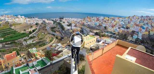 https://tved-prod.adobecqms.net/http://i.muyinteresante.com.mx/dam/muy-vision/15/12/15/danny-macaskill-explores-rooftops-of-grand-canaria-on-his-bike.jpg.imgo.jpg