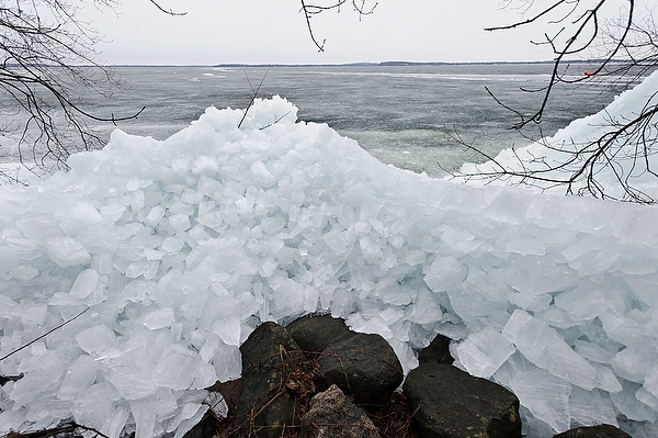 https://dam.tbg.com.mx/http://i.muyinteresante.com.mx/dam/video/14/12/Ice_shore_mendota13_8181.jpeg.imgo.jpeg