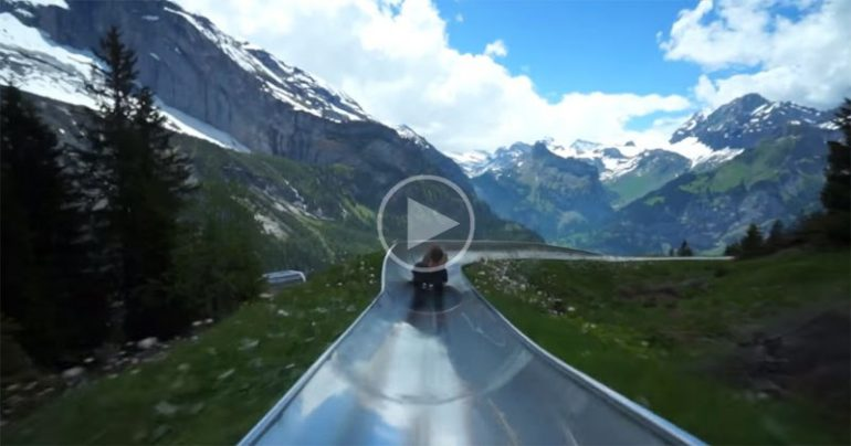 https://dam.tbg.com.mx/http://i.muyinteresante.com.mx/dam/video/16/03/8/take-a-ride-on-a-switzerland-mountain-coaster.jpg.imgo.jpg